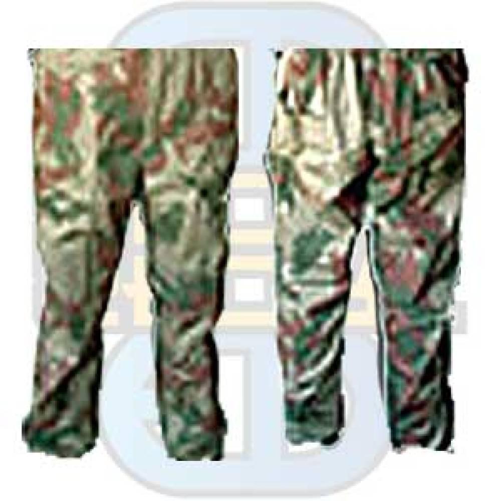 Bukse med kamuflasje mønster